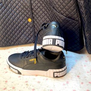 Puma Spell Out  Leather Women's Sneakers